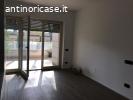 Via Aurelia Antica  affittiamo appartamento nuovo.